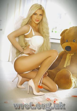 British Escort Carly (27 years old) Image 2