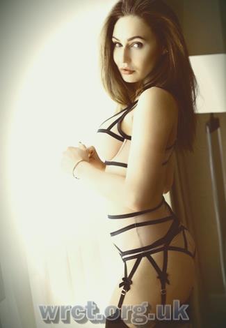 English Escort Eileen (21 years old) Image 1