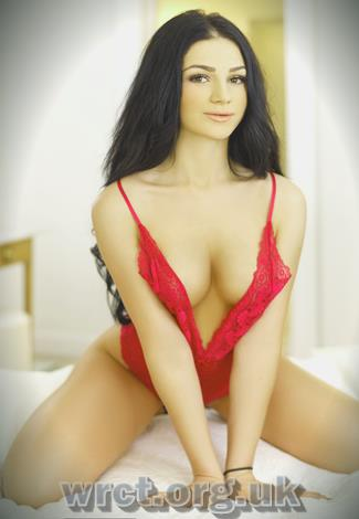 American Escort Emelina (22 years old) Image 2