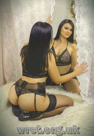 British Escort Lessie (38 years old) Image 2