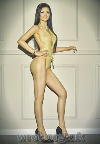English Escort Maureen (25 years old) Image 2