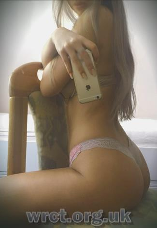 Welsh Escort Skinny (19 years old) Image 1