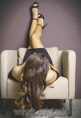 English Escort Thalia (22 years old) Image 2