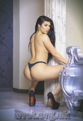 English Escort Vera (21 years old) Image 2
